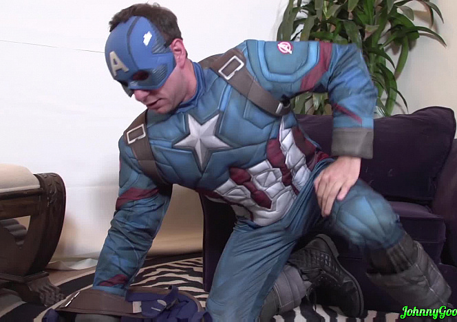 Captain_America_Gets_Lost_In_The_DC_Universe
