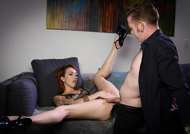Glamour_Daddy_With_Emily_Blacc