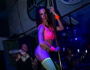 SofieMarieXXX/Working the Pole Johnny Sofie